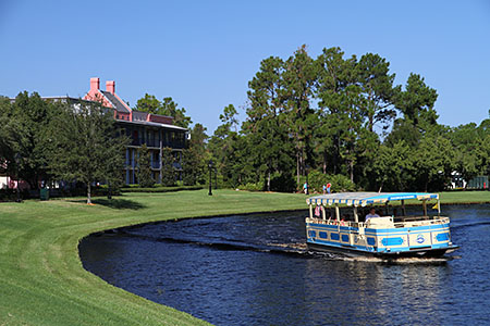 Port Orleans French Quarter, Grounds